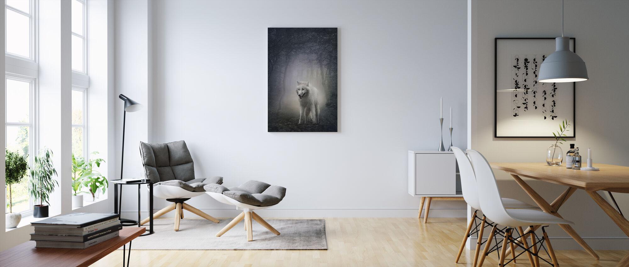 Hvid Ulv i natskoven - Billede på lærred - Stue