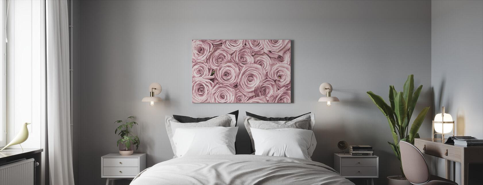 Ruusujen seinä - Canvastaulu - Makuuhuone