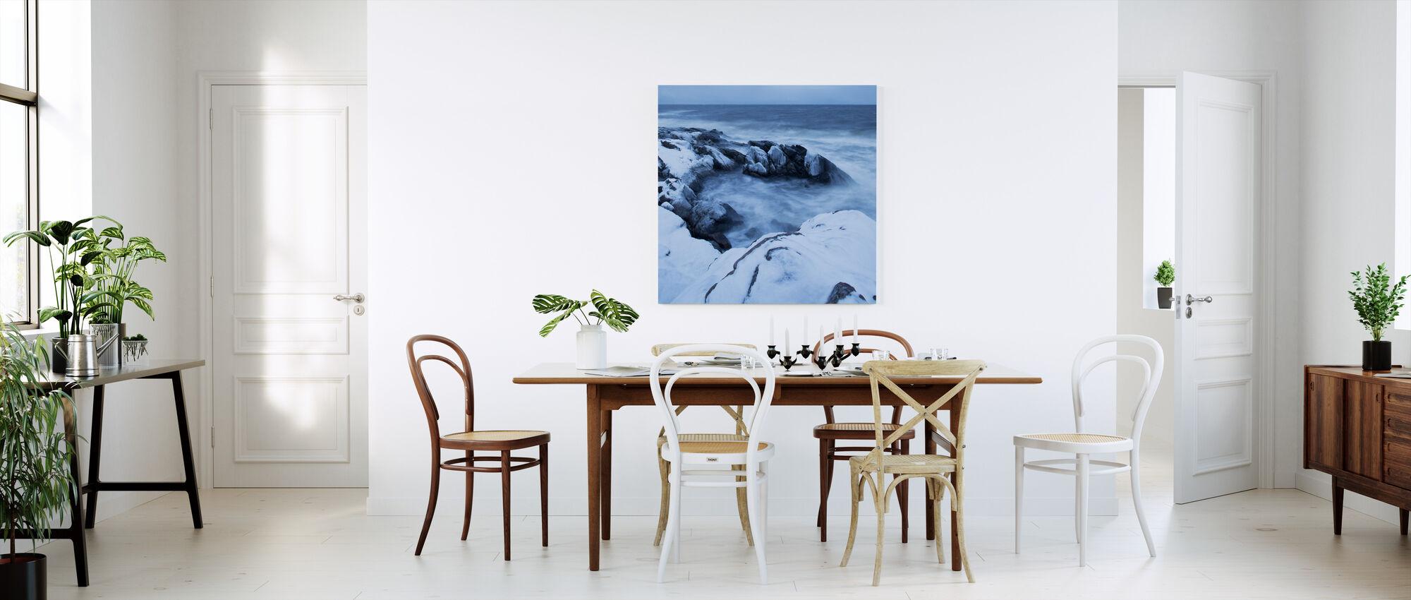 Stenshuvud in Winter Dress - Canvastavla - Kök