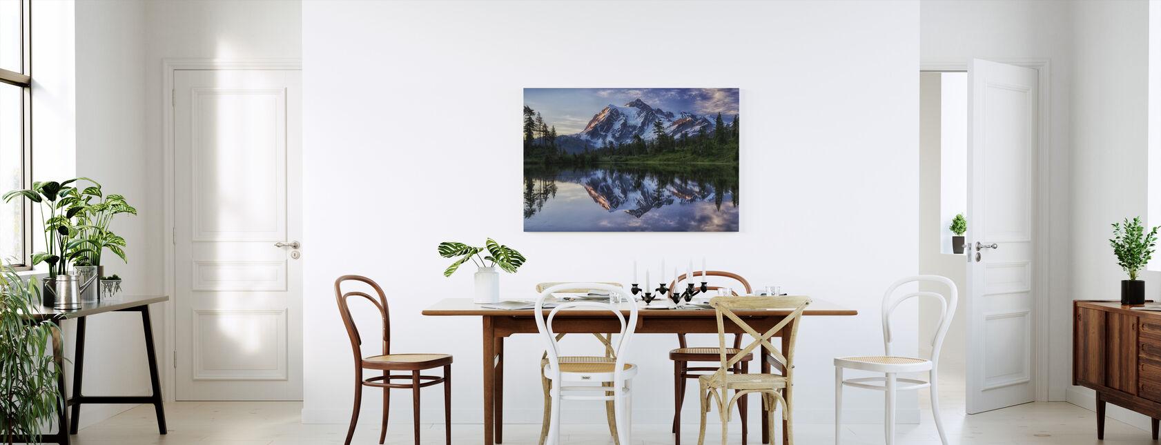 Soluppgång på Mount Shuksan, Washington, USA - Canvastavla - Kök