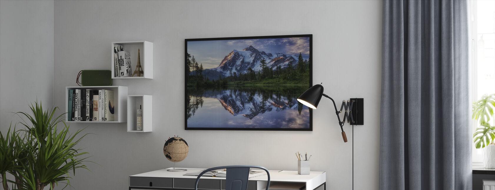 Zonsopgang op Mount Shuksan, Washington, Verenigde Staten - Ingelijste print - Kantoor