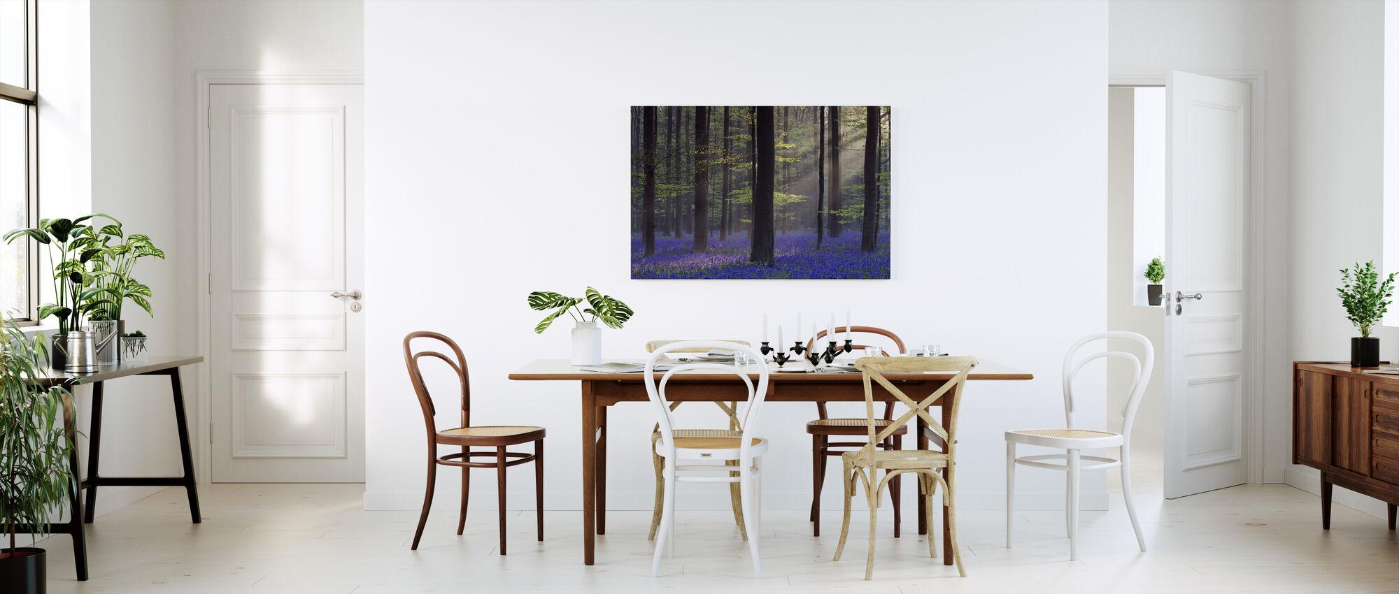 Bluebells Dawn Sunlight - Canvastaulu - Keittiö