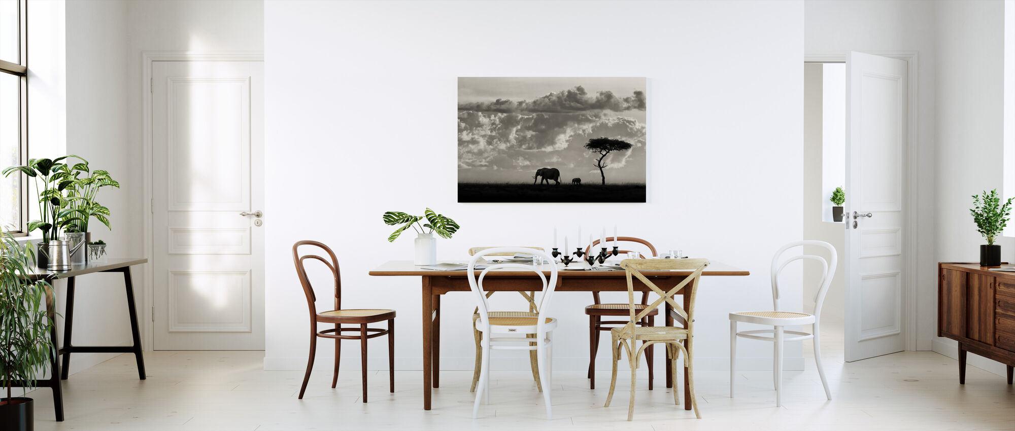 Silhouettes of Mara, black and white - Canvas print - Kitchen