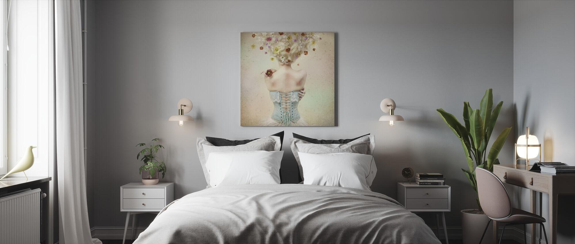 Pige af blomsterhaven - Billede på lærred - Soveværelse
