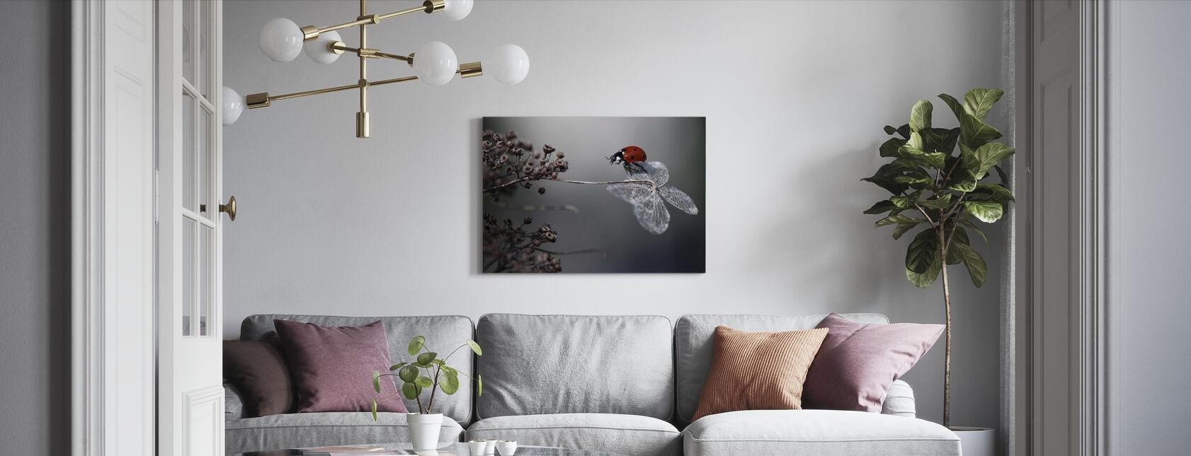 Lieveheersbeestje op Hortensia - Canvas print - Woonkamer