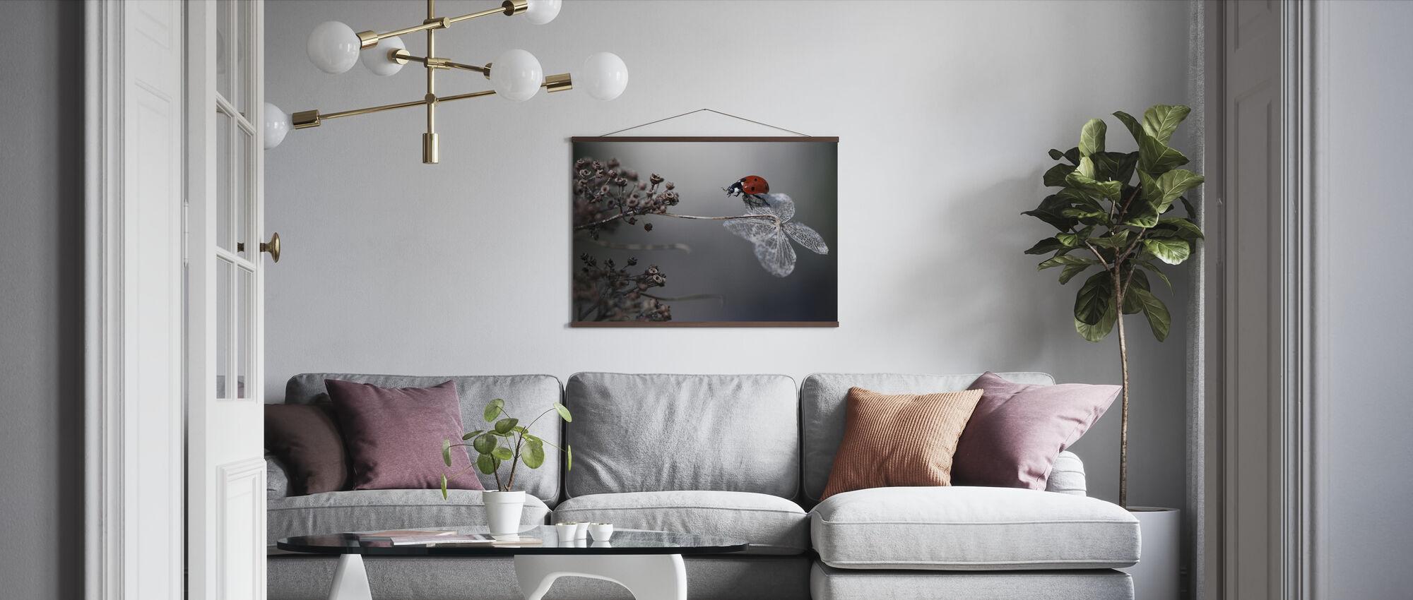 Nyckelpiga på Hortensia - Poster - Vardagsrum