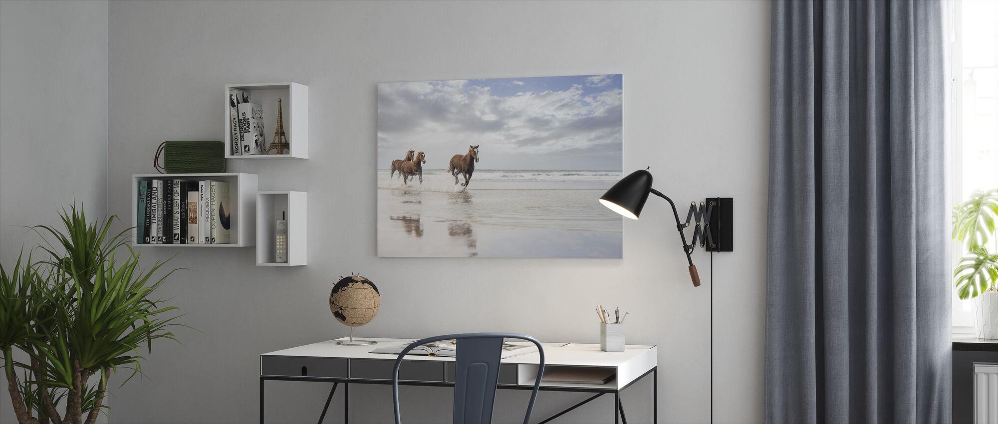 Hästar på Sydafrikanska stranden - Canvastavla - Kontor