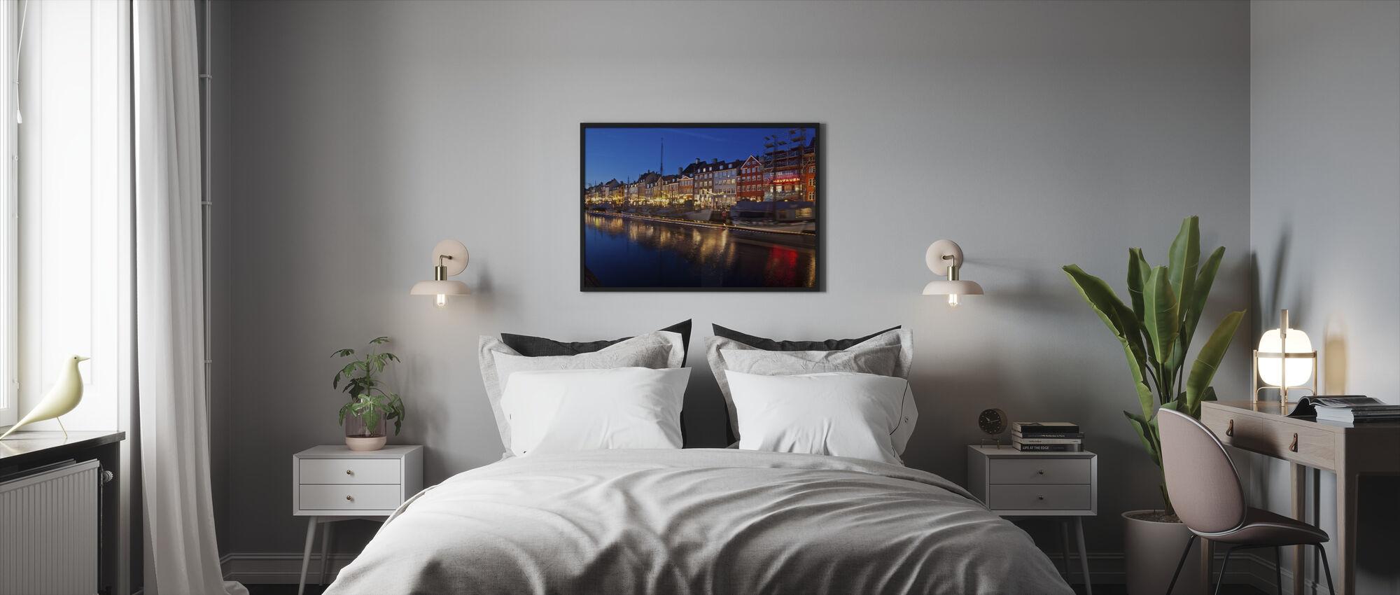 Noche en Nyhavn, Copenhague, Dinamarca - Print enmarcado - Dormitorio