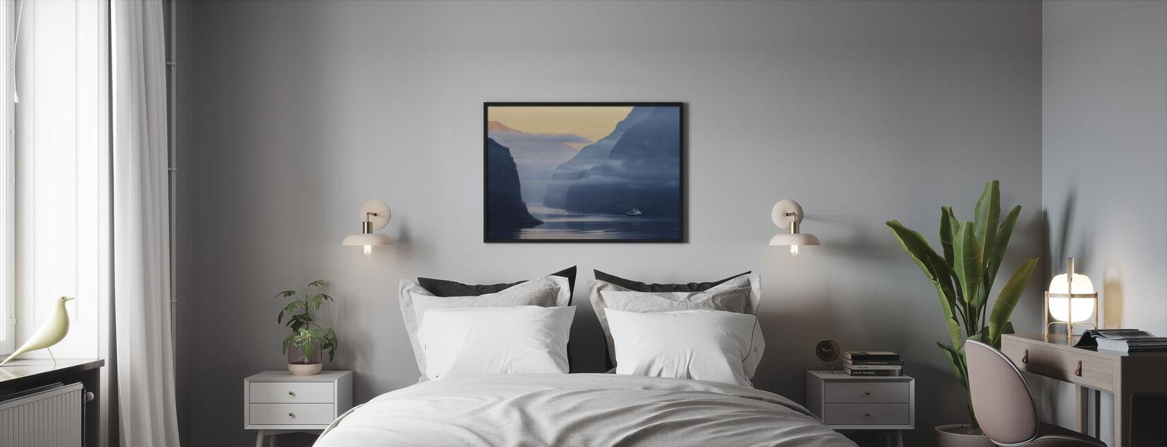Norjan vuono sumussa - Kehystetty kuva - Makuuhuone
