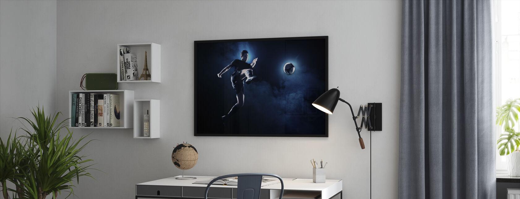 Sininen savu Jalkapallo - Kehystetty kuva - Toimisto
