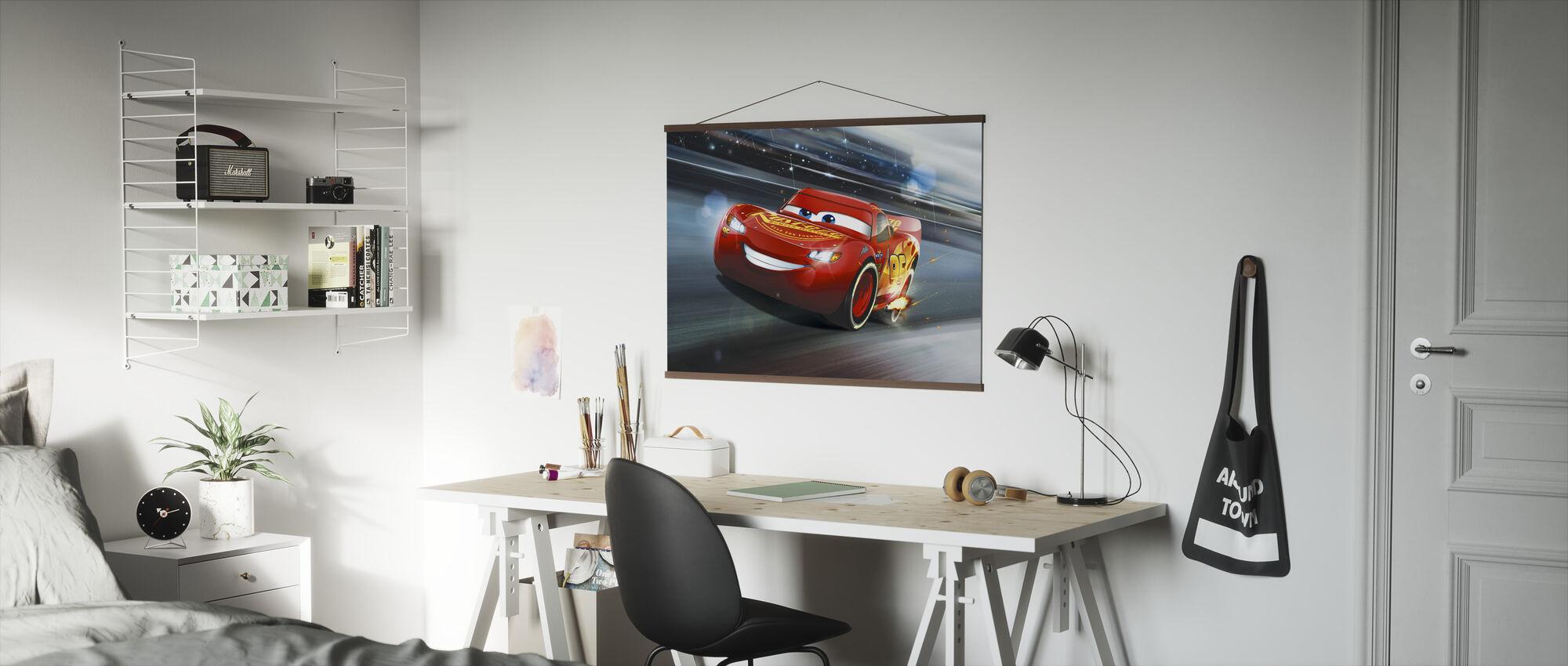 Biler 3 - Lyn McQueen - Legenden om spåret - Plakat - Kontor