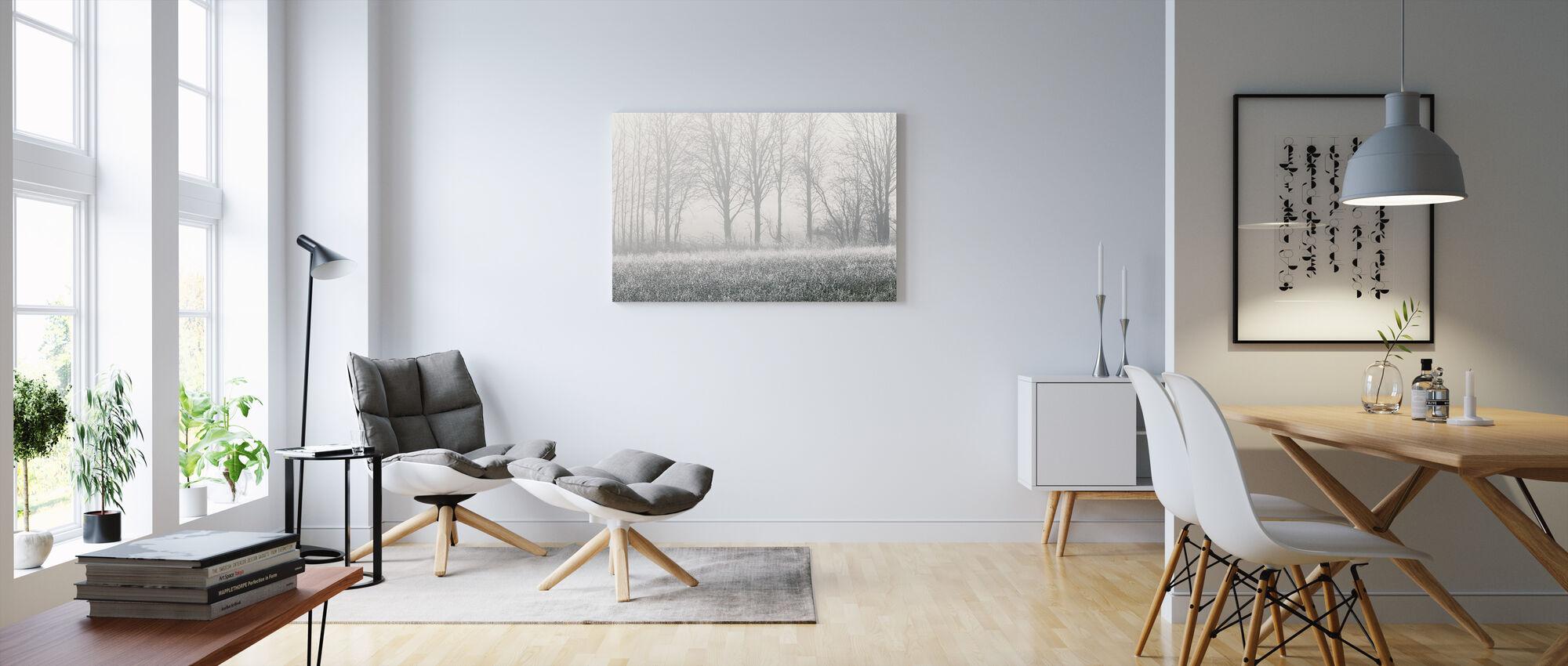 Sumuinen puu - Canvastaulu - Olohuone
