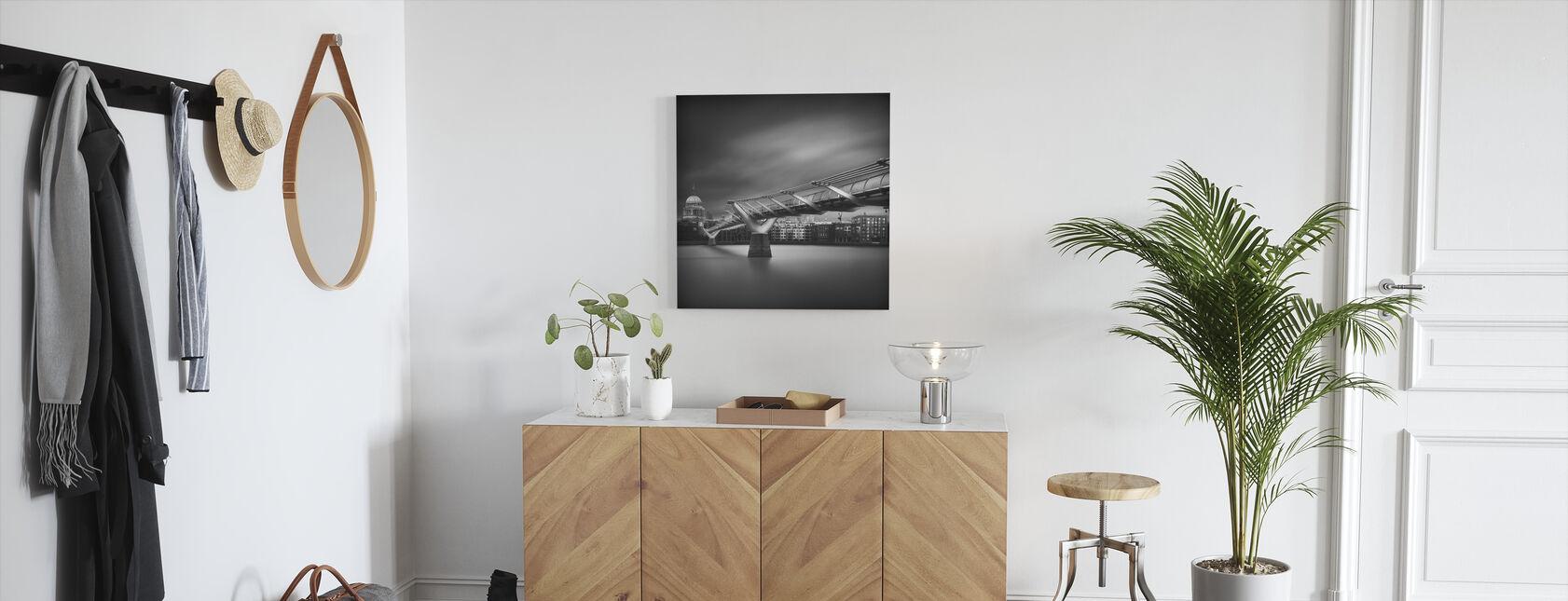 Millennium Bridge, black and white - Canvas print - Hallway