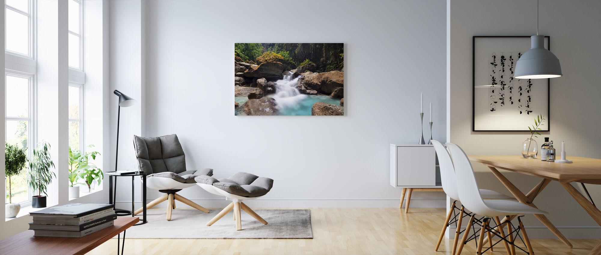 Canyon Kawasan Fallsissa I - Canvastaulu - Olohuone