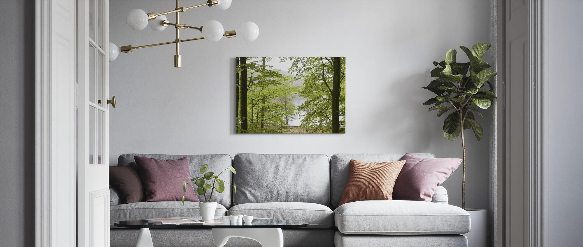 Pyökki metsä vedessä - Canvastaulu - Olohuone
