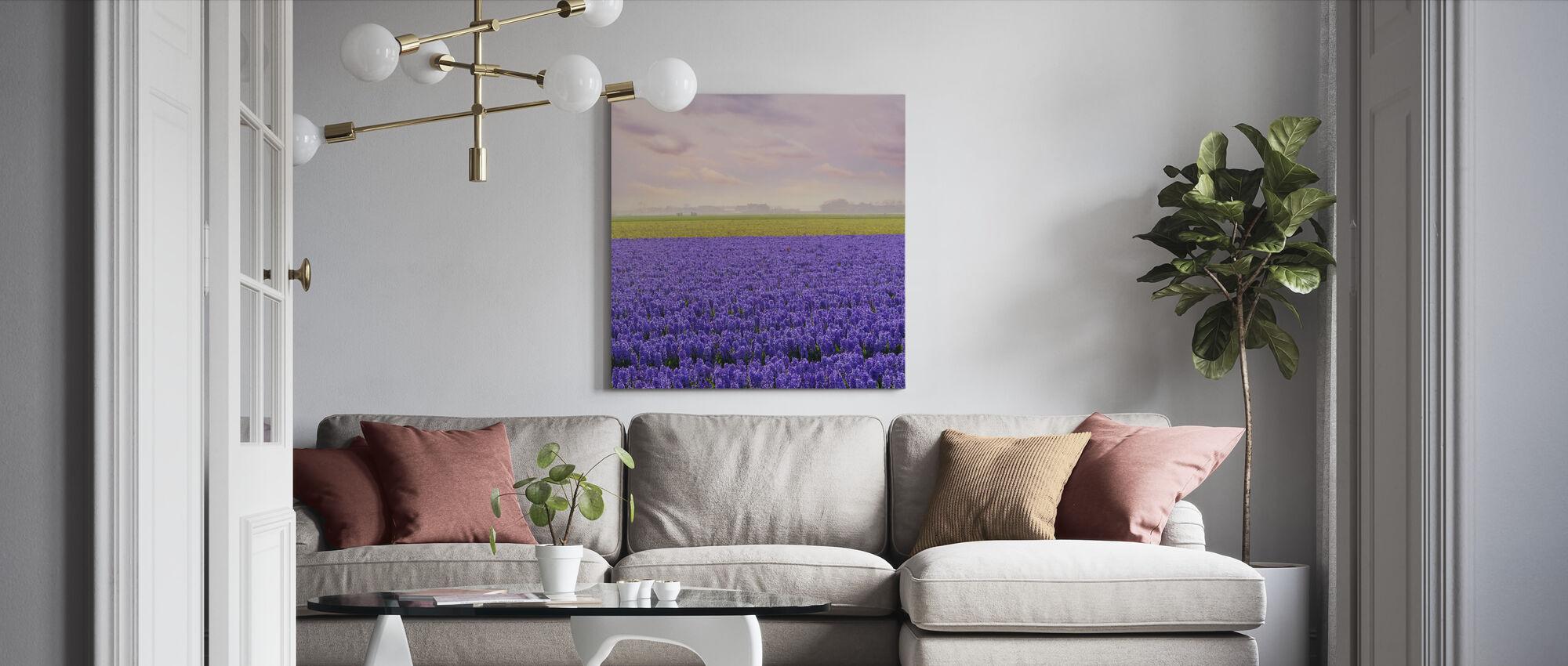 Violetti Hyasintti - Canvastaulu - Olohuone