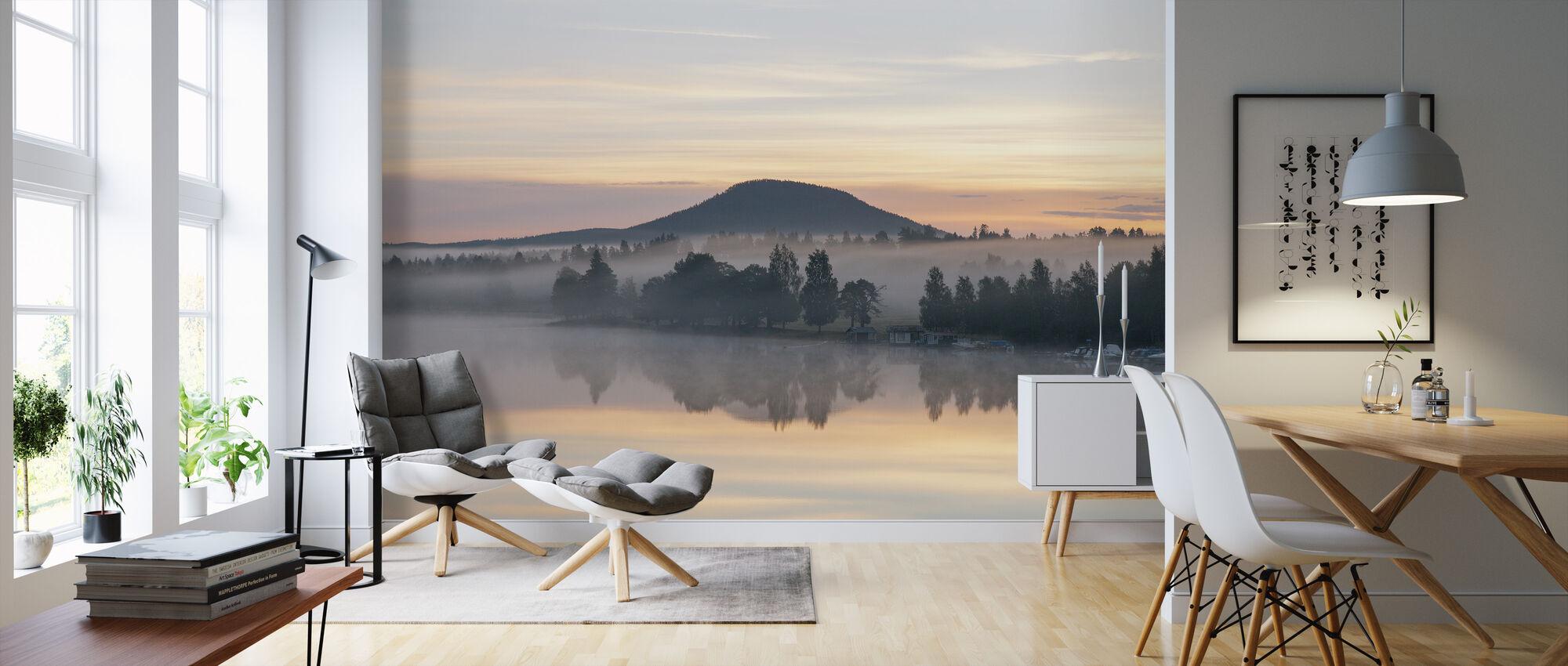 Ljusnan Sjön före soluppgången - Tapet - Vardagsrum