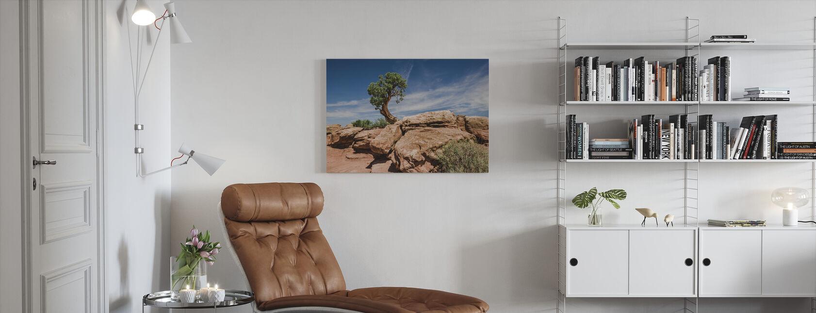 Aavikko puu Utahissa - Canvastaulu - Olohuone