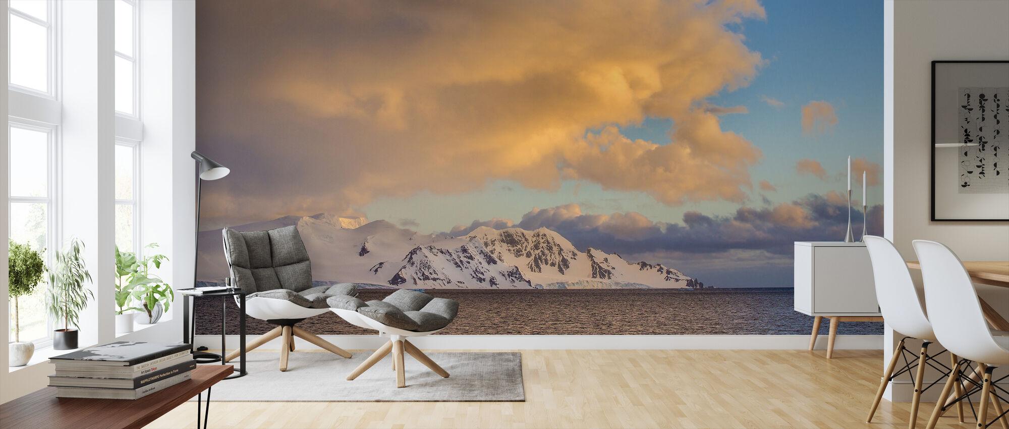 View of Halfmoon Island, Antarctica - Wallpaper - Living Room