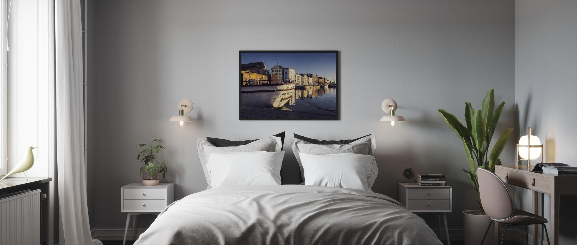 Old Harbor - Framed print - Bedroom