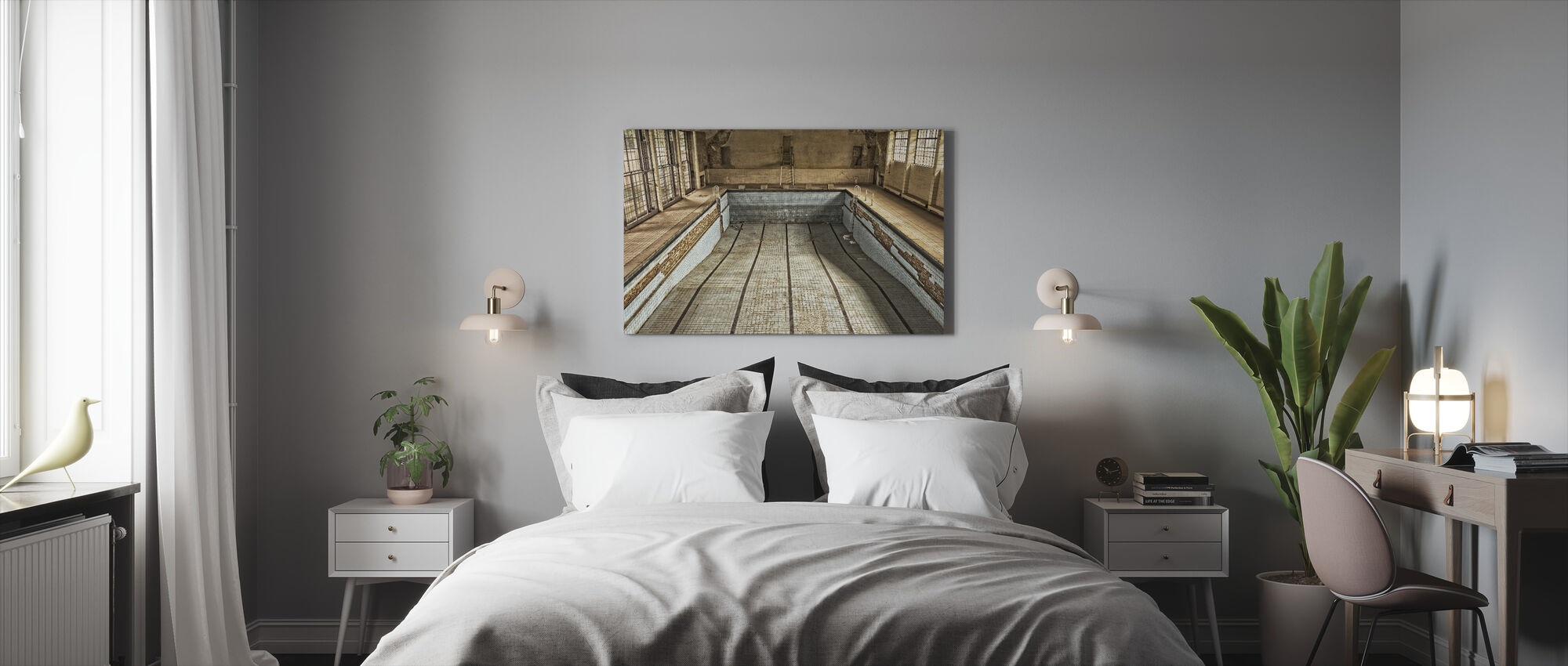 Abandoned Swimming Pool - Canvas print - Bedroom