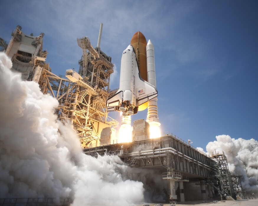 Space Shuttle Made To Measure Wall Mural Photowall