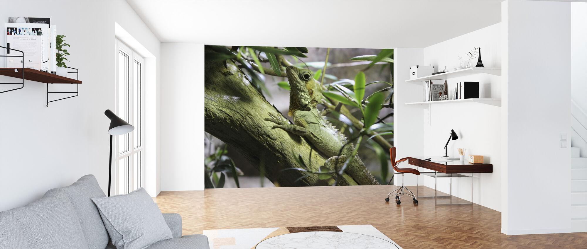 Lizard on Branch - Wallpaper - Office