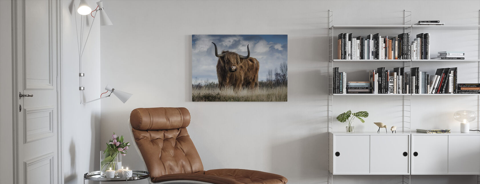 Bull i Eng - Lerretsbilde - Stue