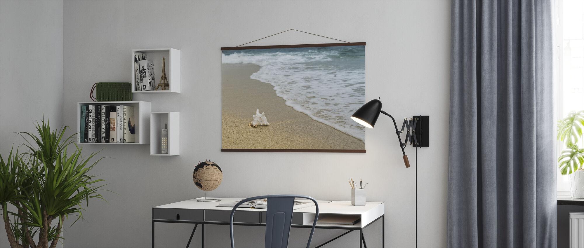 Schelpdieren in het zand - Poster - Kantoor