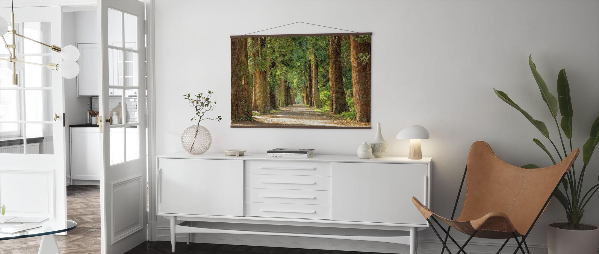 Vägar mellan träd - Poster - Vardagsrum