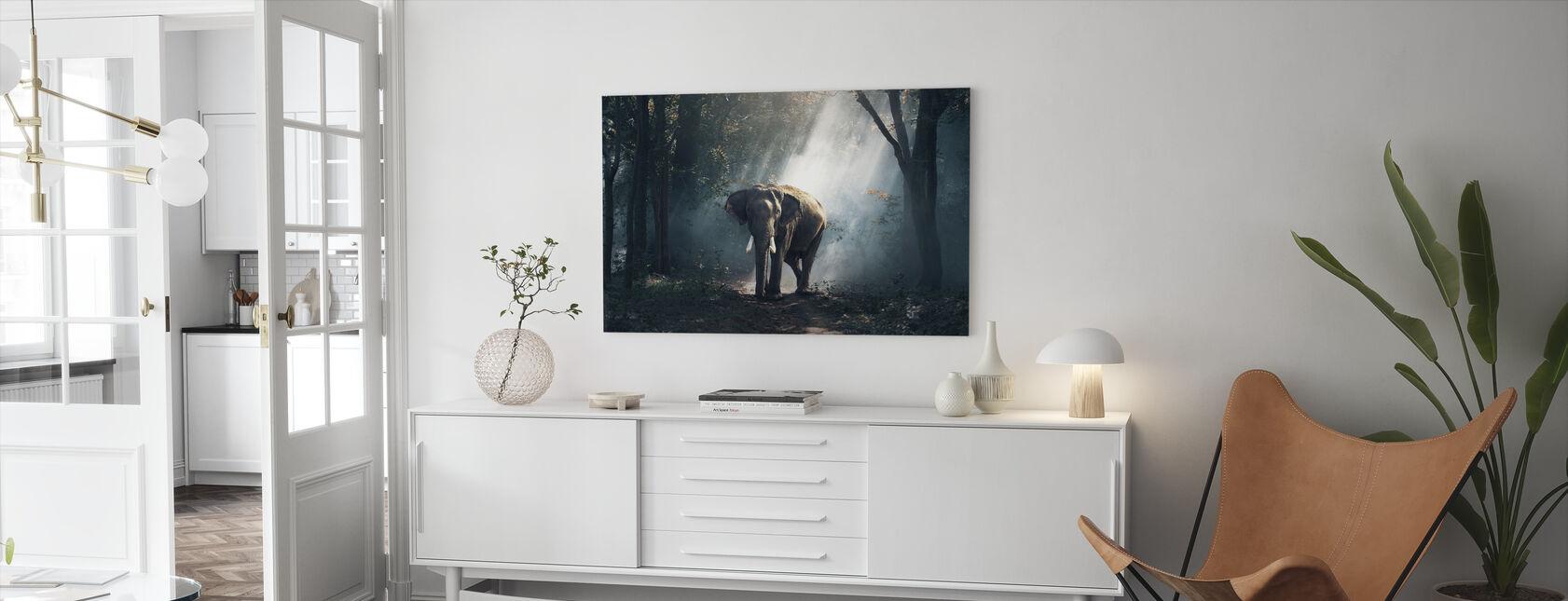 Elefant i skogen - Canvastavla - Vardagsrum
