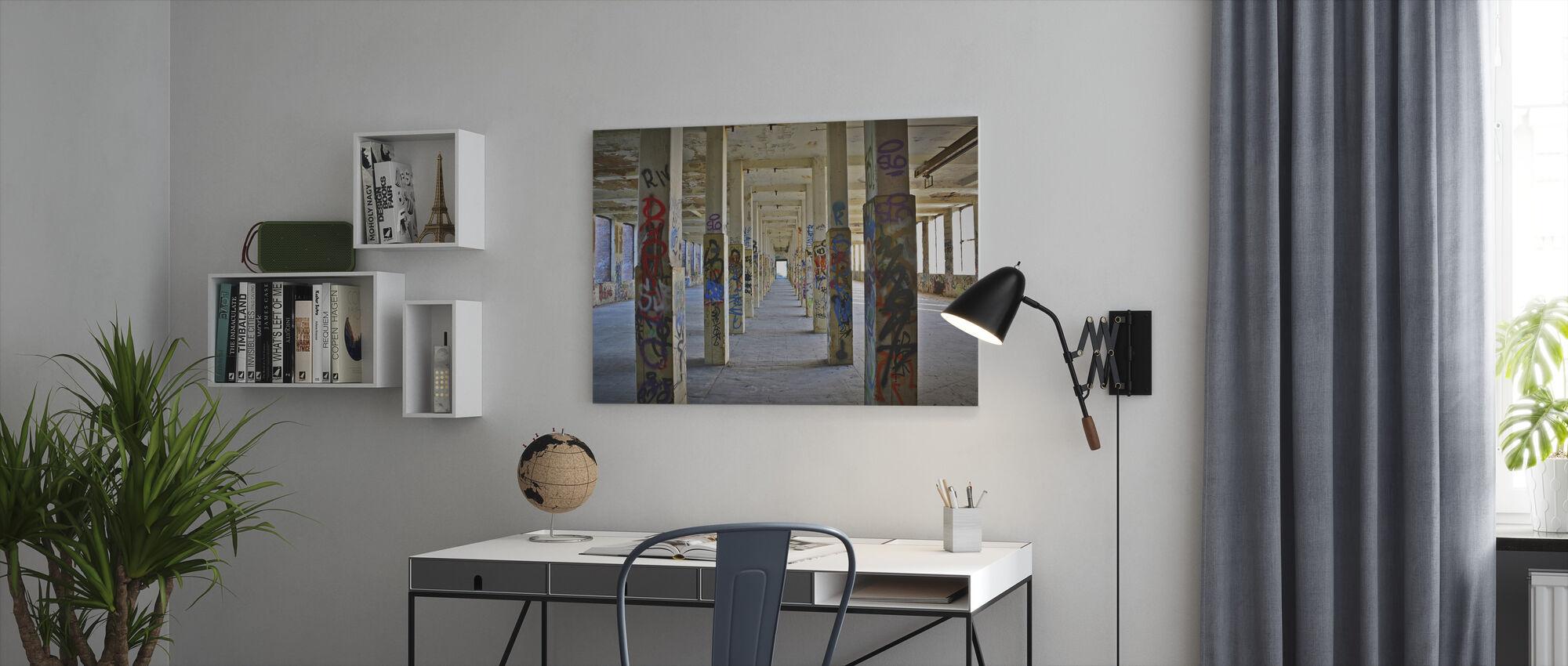 Oud Industrieel Fabriek Gebouw - Canvas print - Kantoor