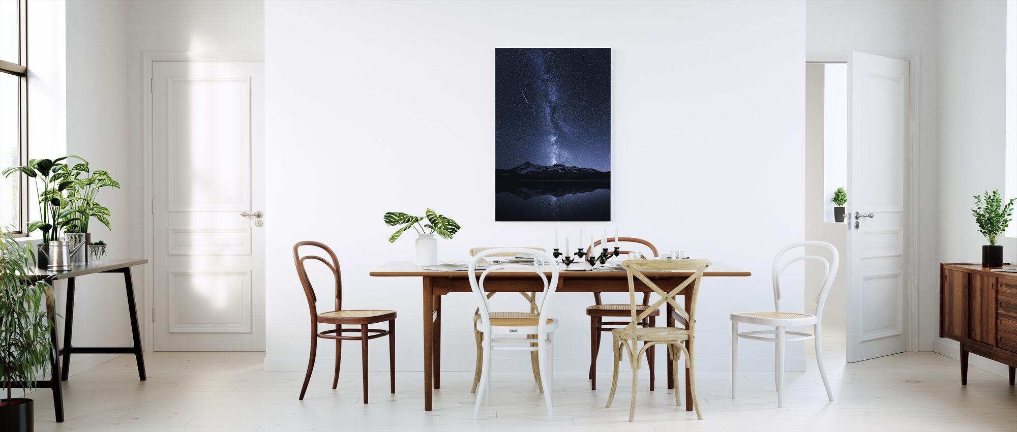 Galaksit heijastus - Canvastaulu - Keittiö