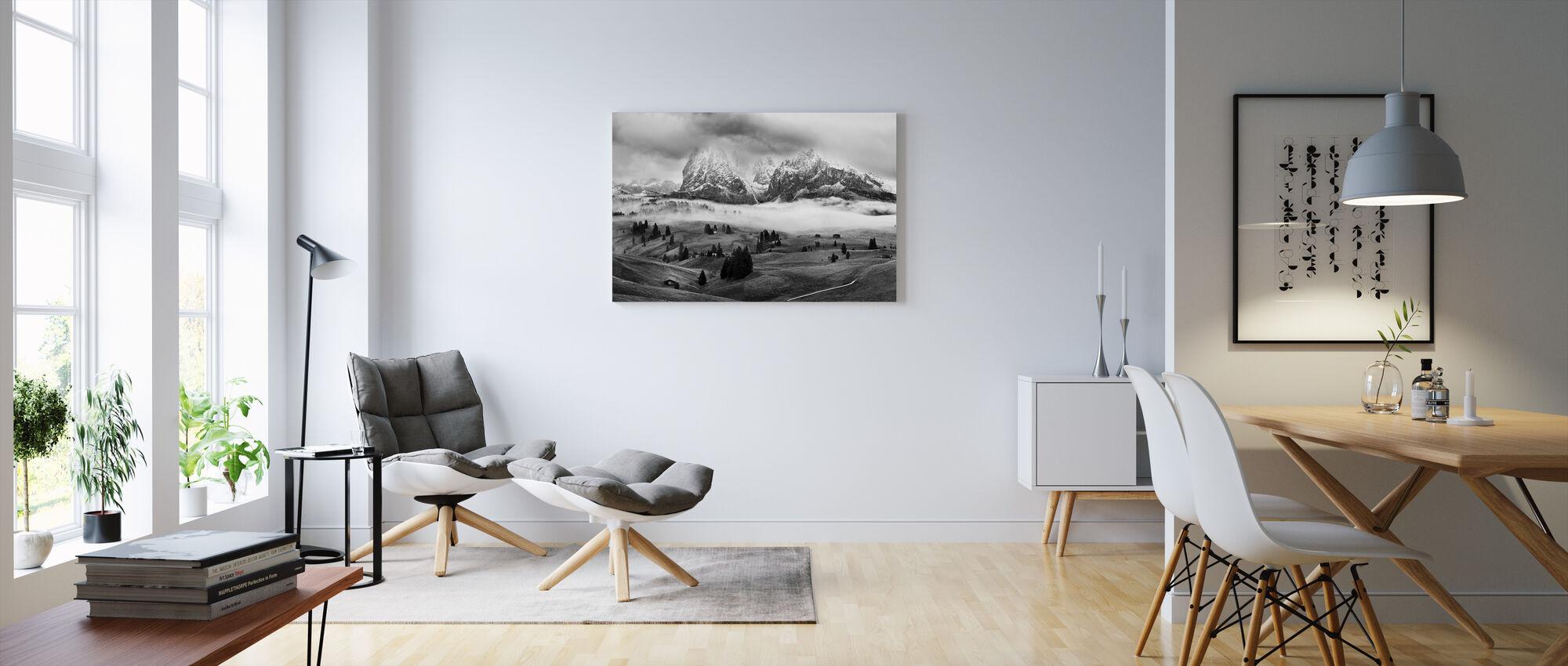Sumuinen Dolomiitit - Canvastaulu - Olohuone
