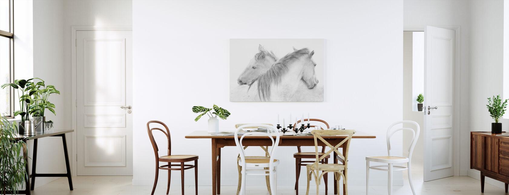Hevoset - Canvastaulu - Keittiö