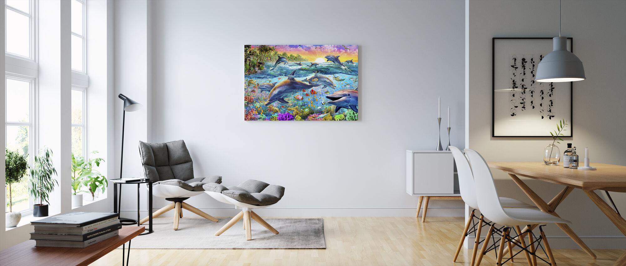 Trooppiset delfiinit - Canvastaulu - Olohuone