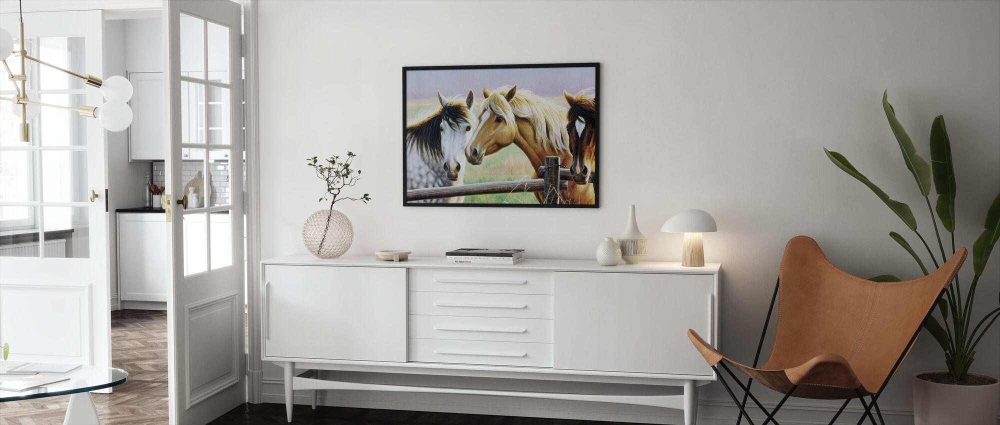 Tre heste på hegnet - Indrammet billede - Stue