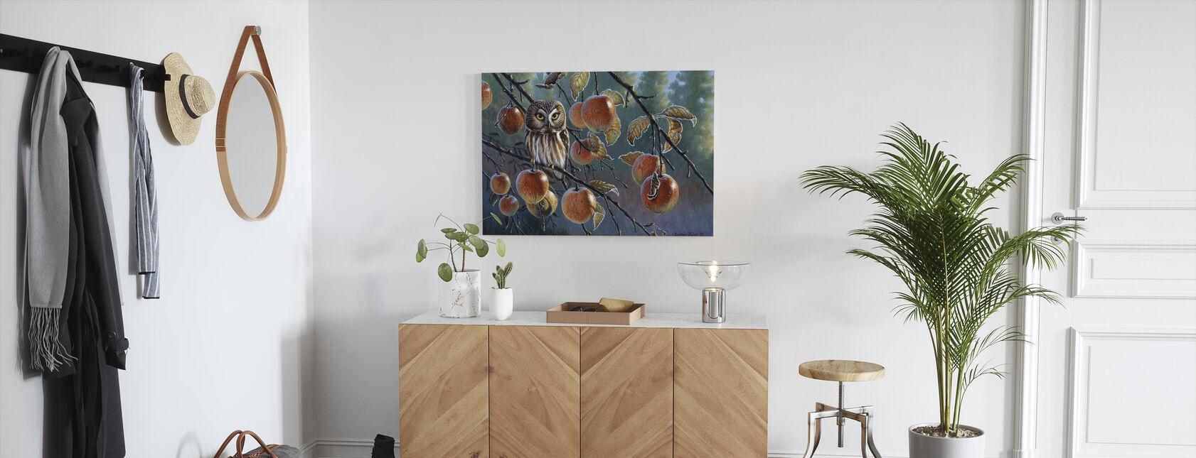 Uggla med äpplen - Canvastavla - Hall