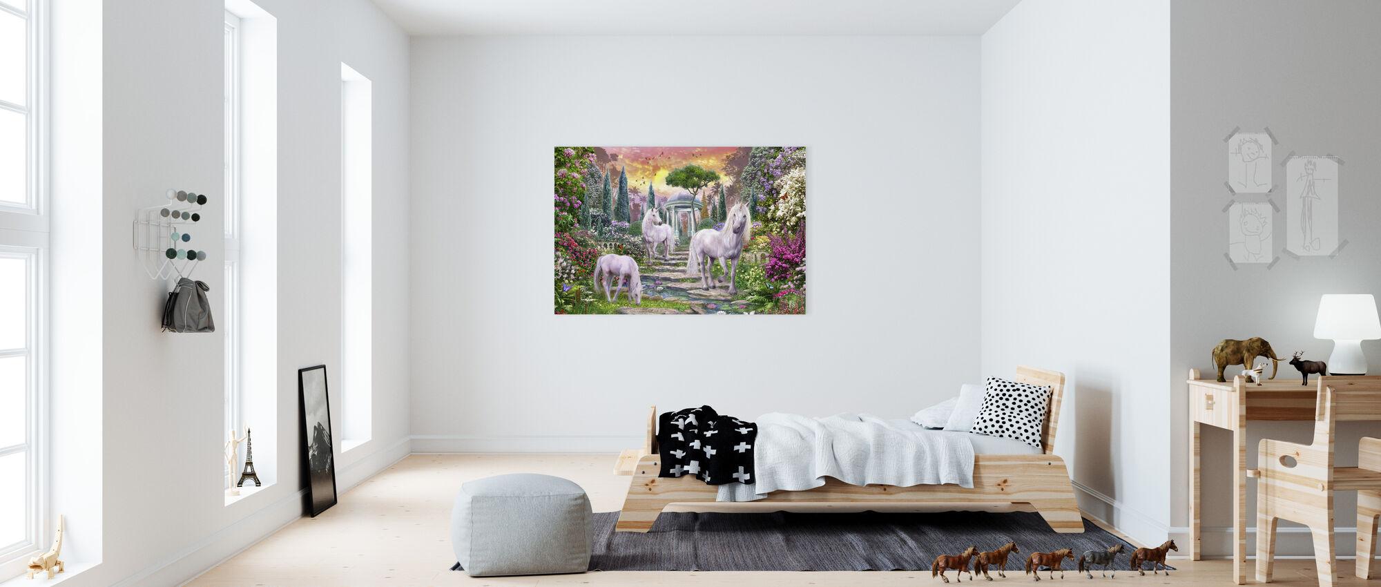 Klassisk trädgård enhörningar - Canvastavla - Barnrum