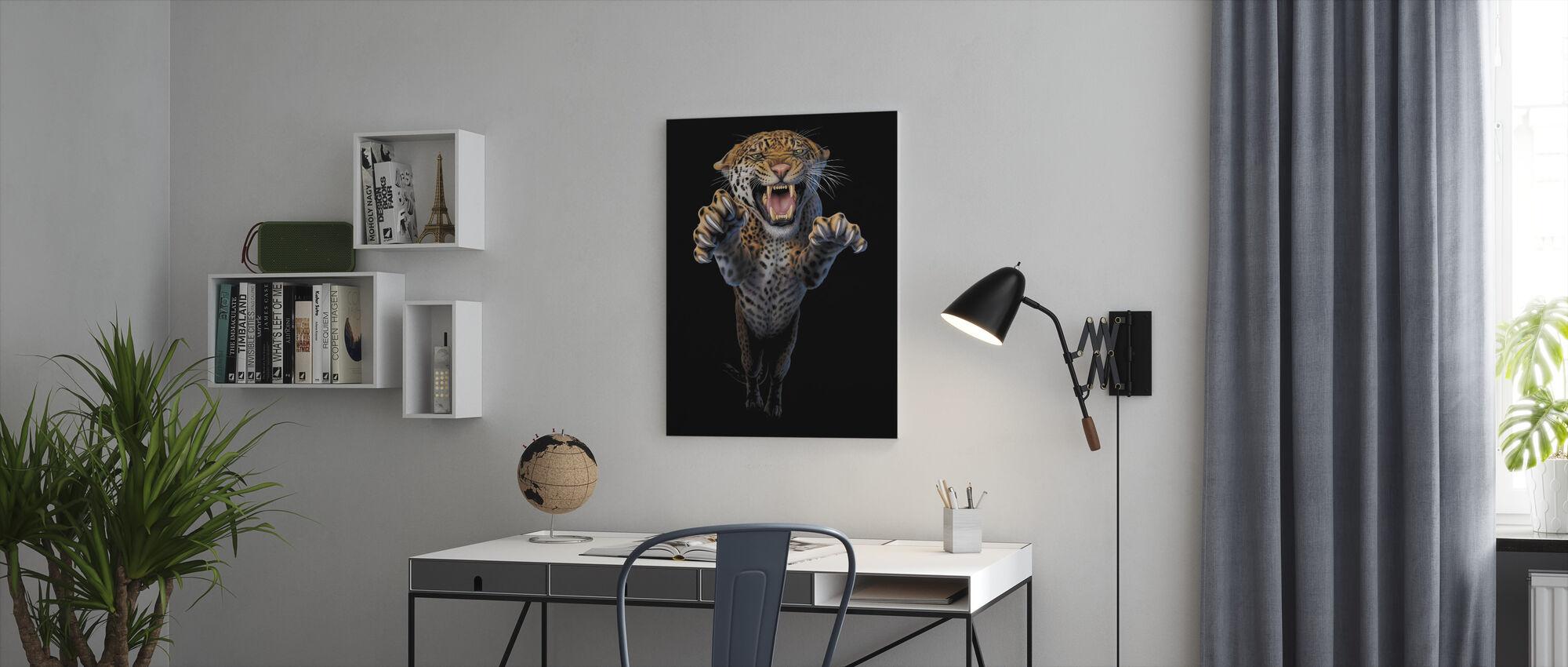 Loping Leopardi - Canvastaulu - Toimisto