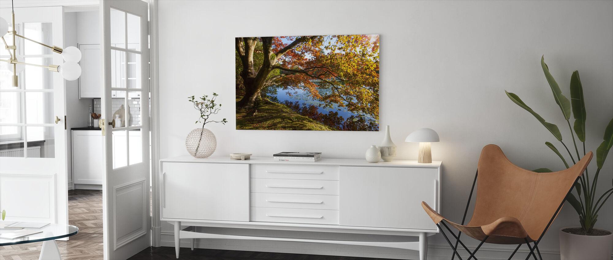 Efterår Træ Refleksion - Billede på lærred - Stue