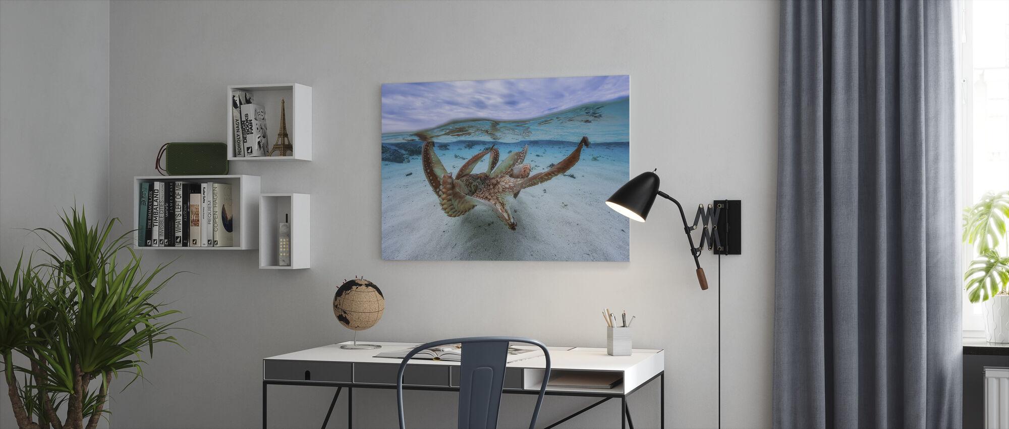 Octopus - Canvas print - Kantoor
