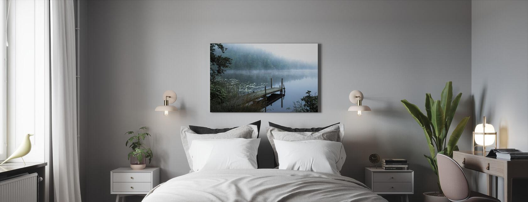 Moody Aamu - Canvastaulu - Makuuhuone