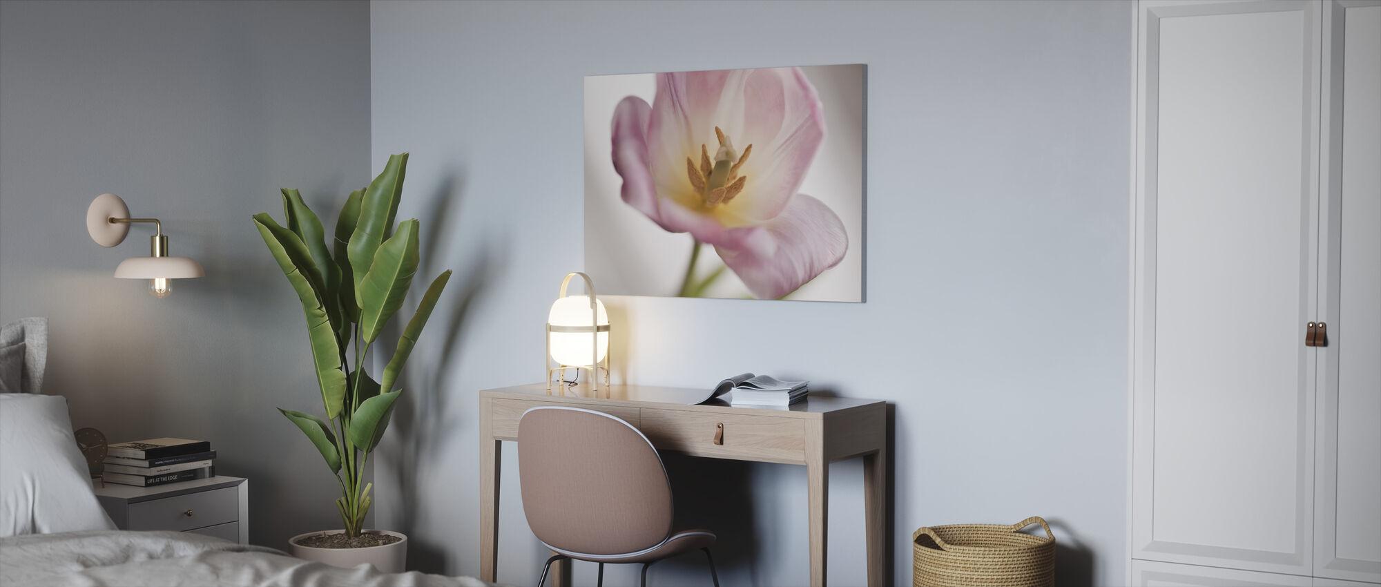 Tulip - Canvas print - Office