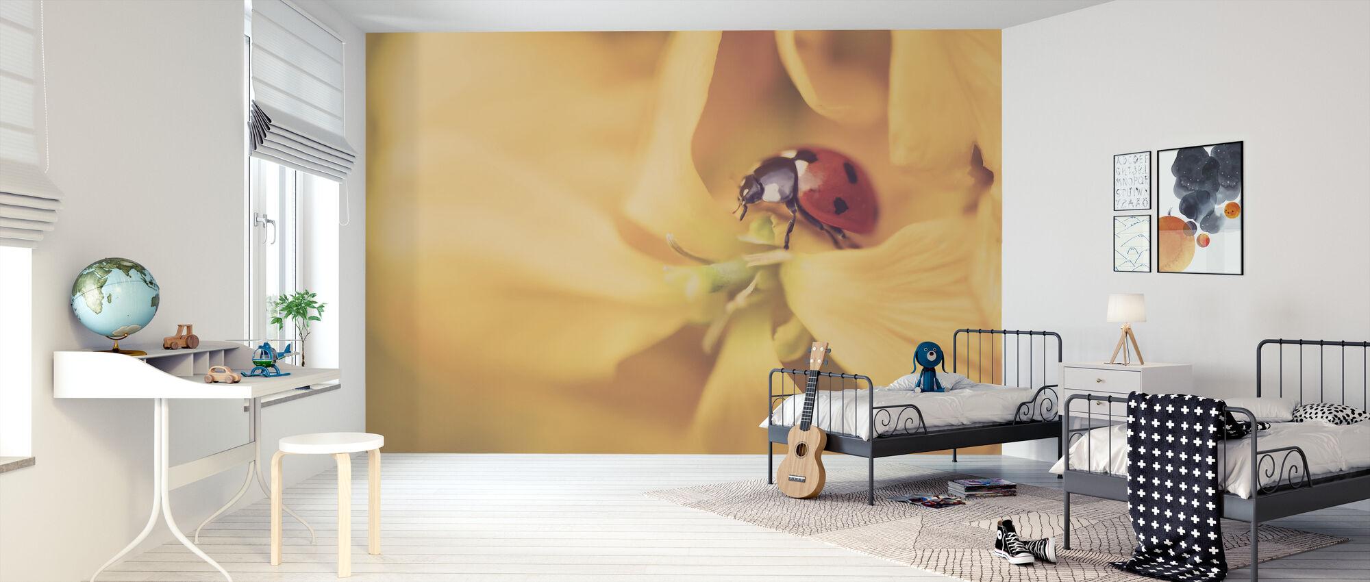 Ladybird Exploring - Wallpaper - Kids Room
