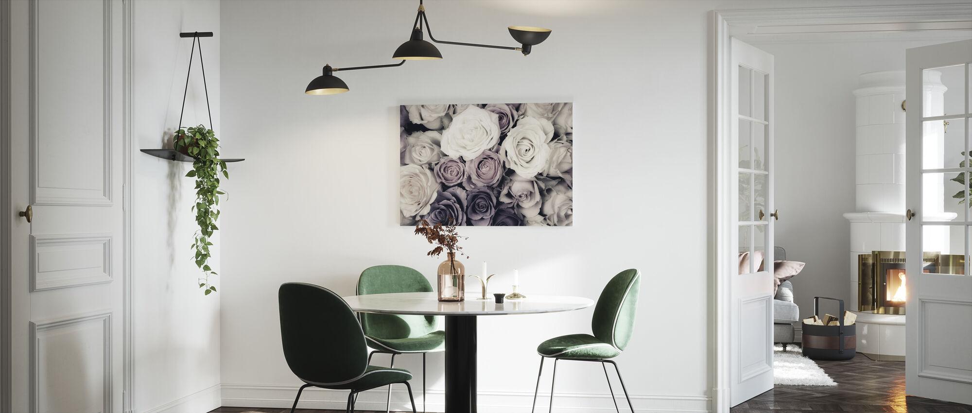 Mørke roser - Lerretsbilde - Kjøkken