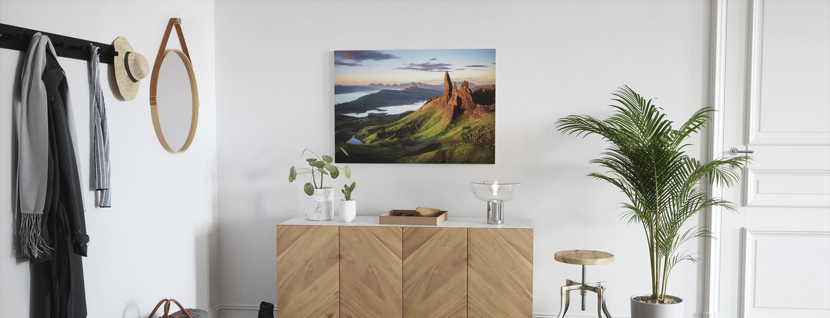 Scotland - Old Man of Storr - Canvas print - Hallway