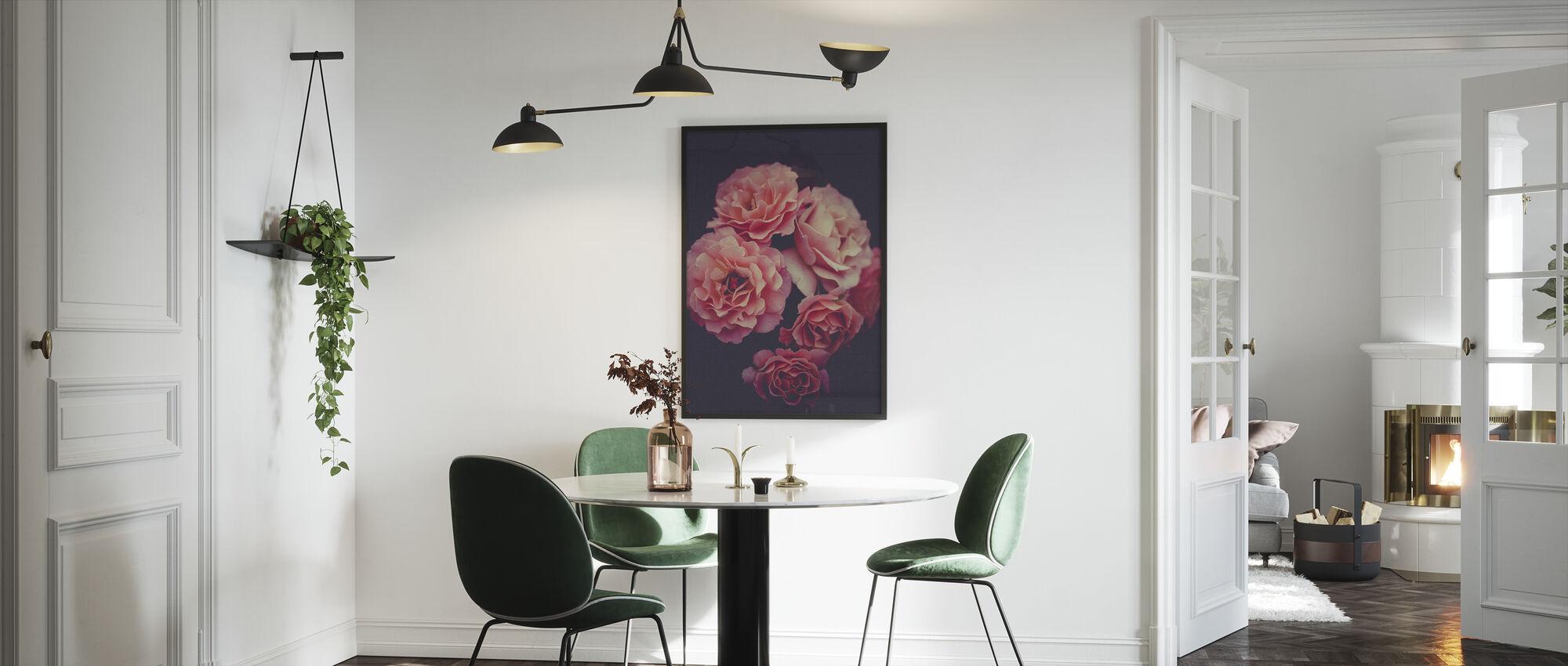 Ruusu kimppu - Kehystetty kuva - Keittiö