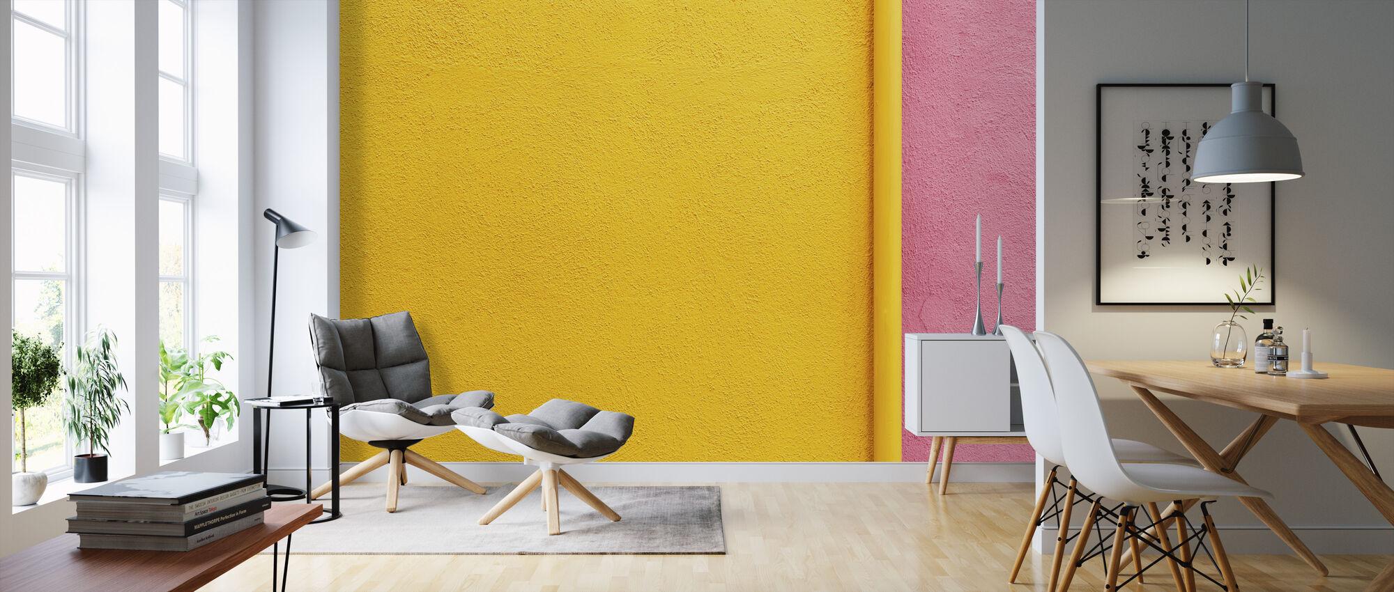 Gelbe und rosa Wand mit Pfeife - Tapete - Wohnzimmer