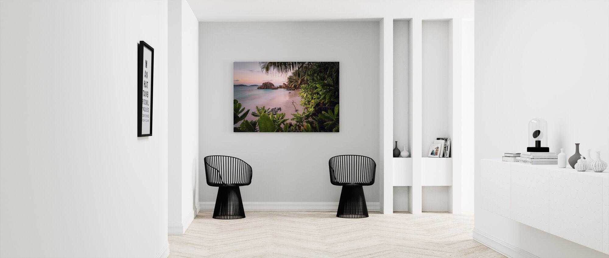 Tranquil Paradise - Canvas print - Hallway